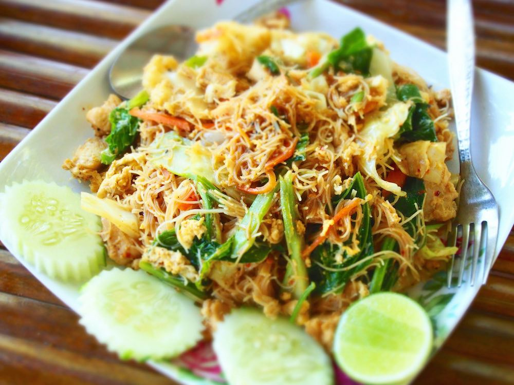 Fried vermicelli with chicken