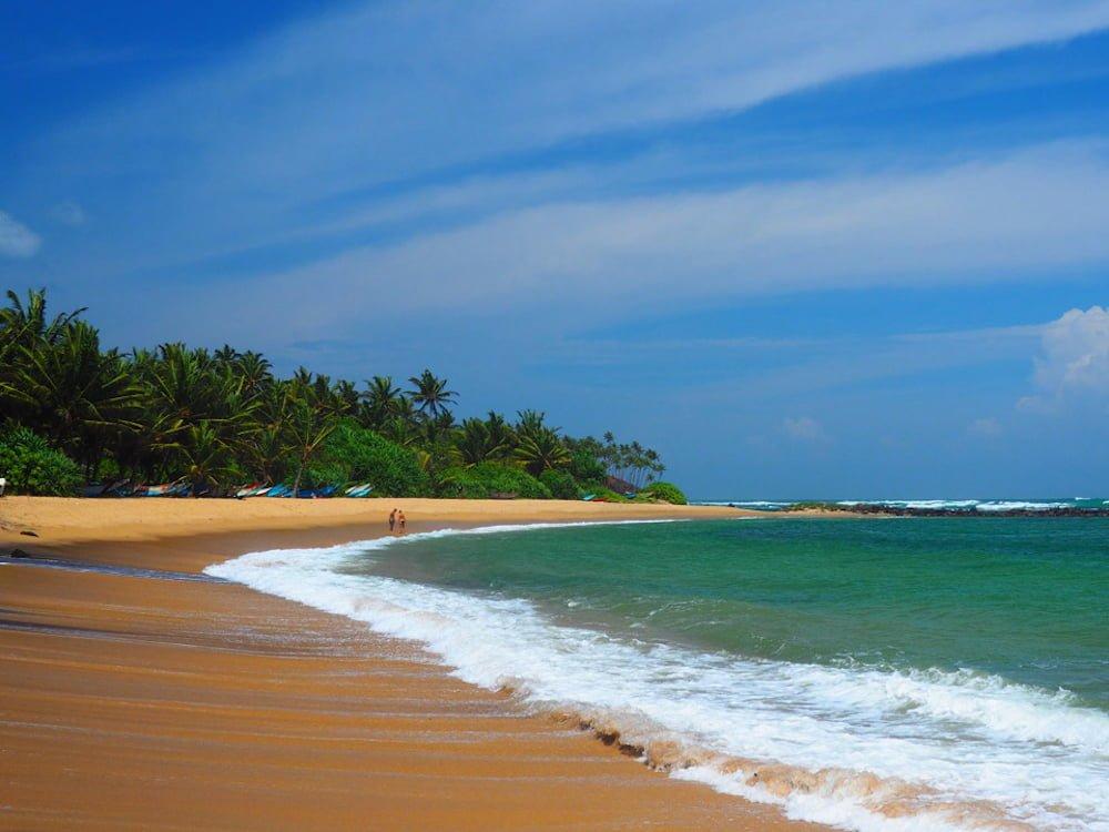 Empty beach at Mirissa