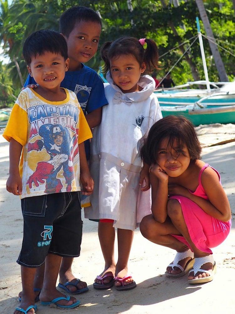 Children on San Fernando Beach