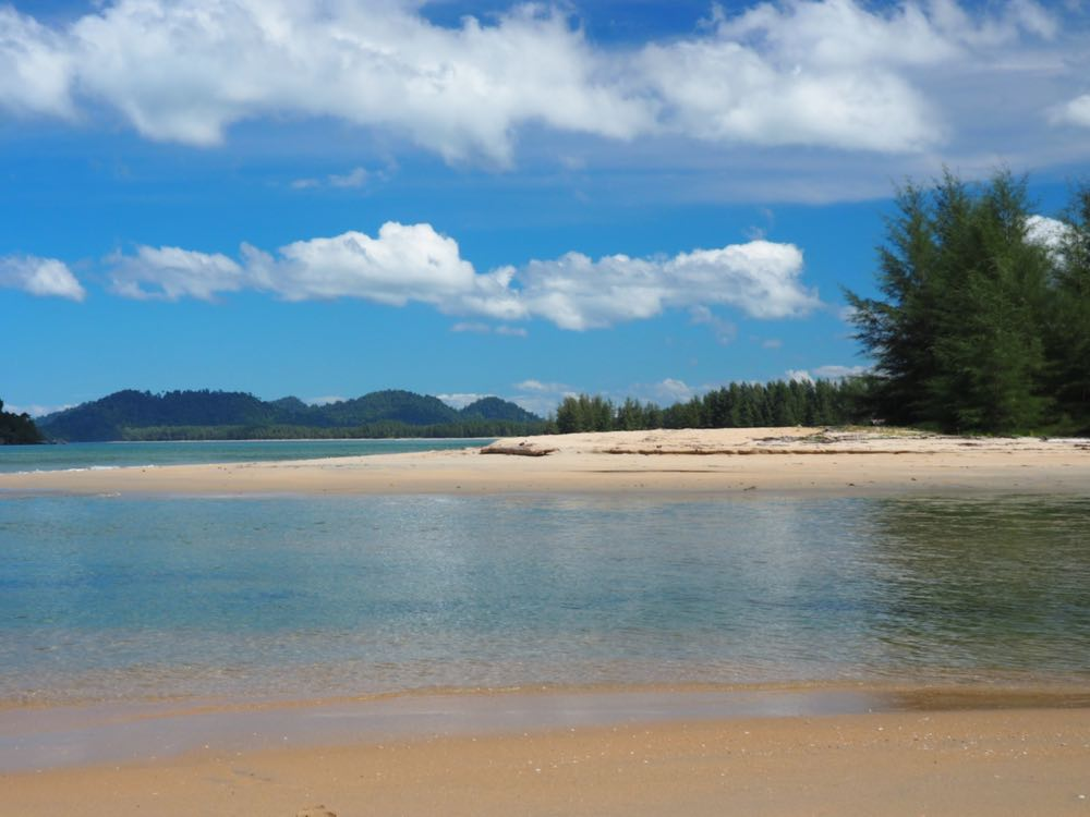 Phra Thong Bay