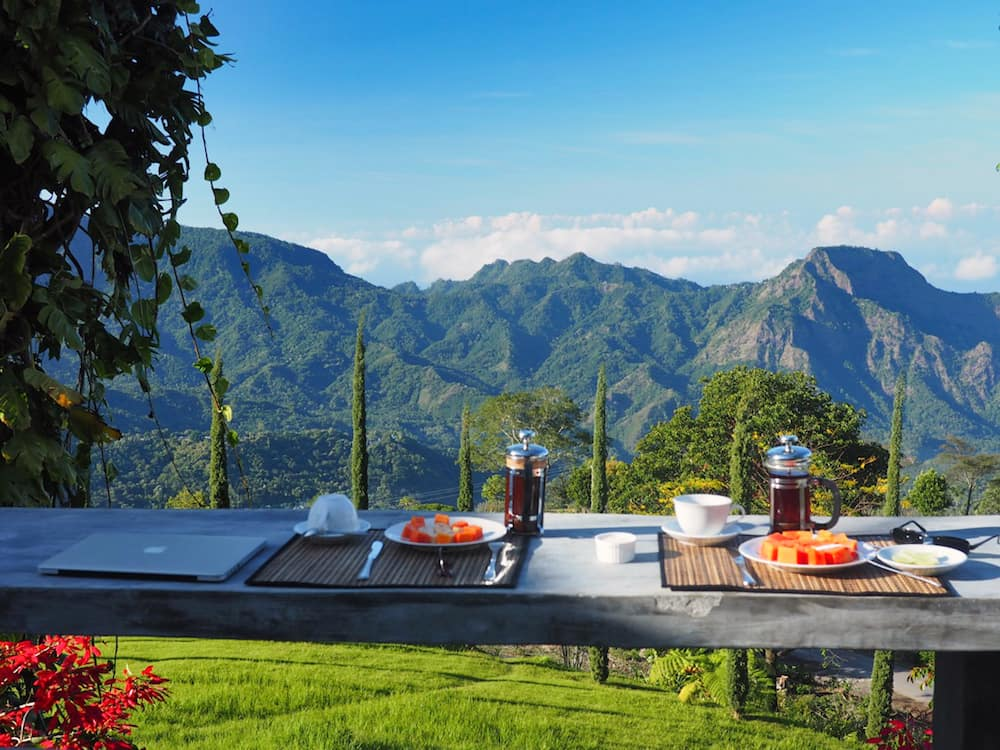 Villa Manulalu breakfast view
