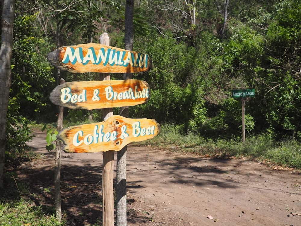Villa Manulalu welcome sign