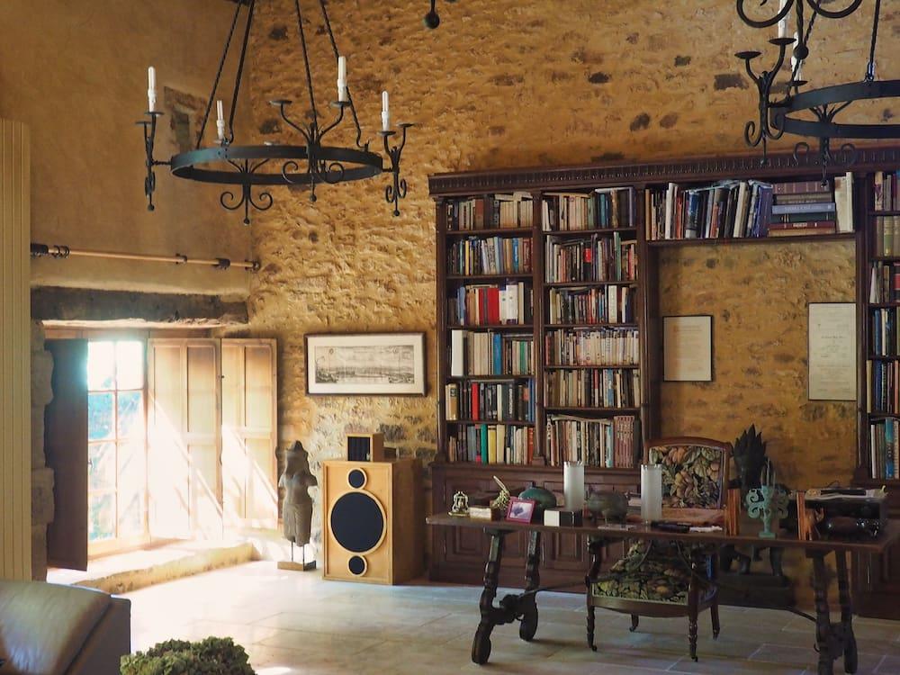 House sit in Dordogne, France