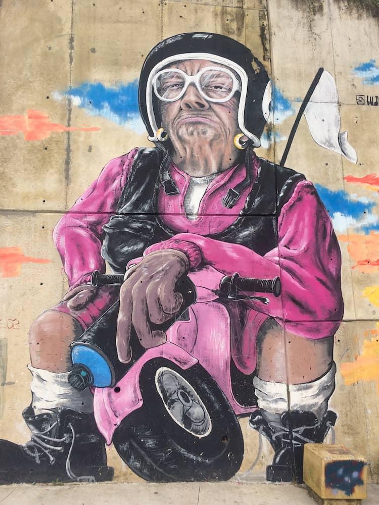 Comuna 13, Medellin - street art 10