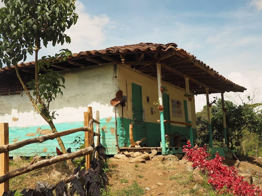Cristo del Rey hike - paisa house