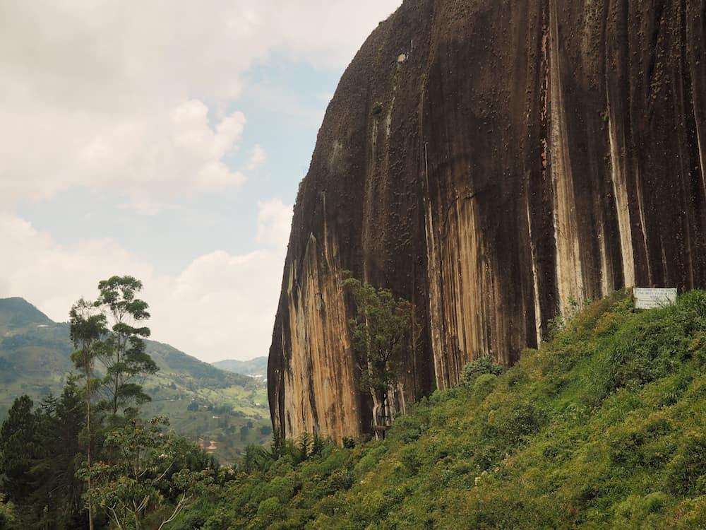 Exploring Guatape - El Peñol's rockface