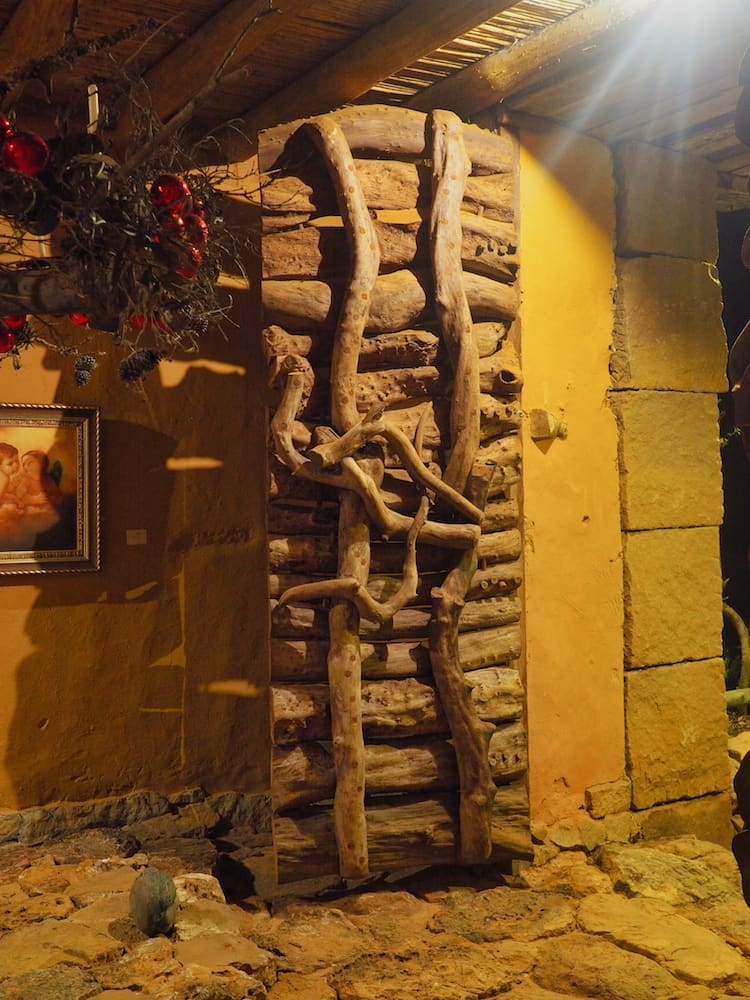 Casa Mahaneim's front door