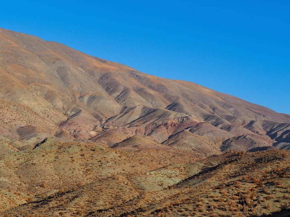 Colourful hills on the Sierra Trail
