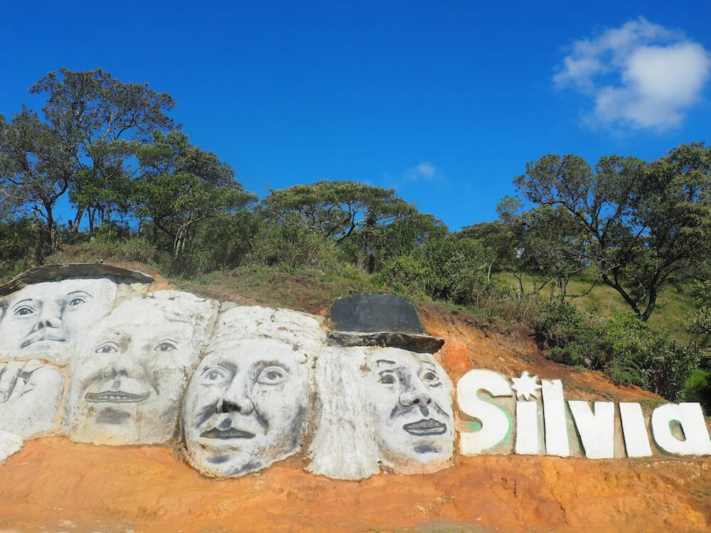 Welcome to Silvia Colombia - roadside display