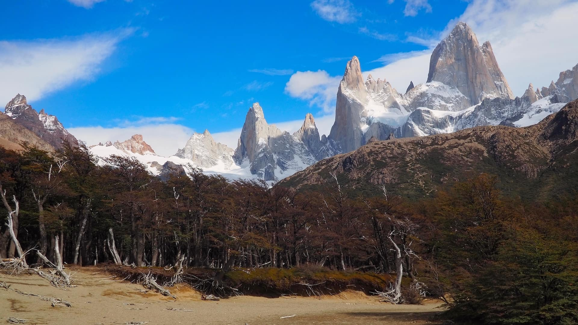 The approach to Campamento Poincenot with Mount Fitz Roy in the background