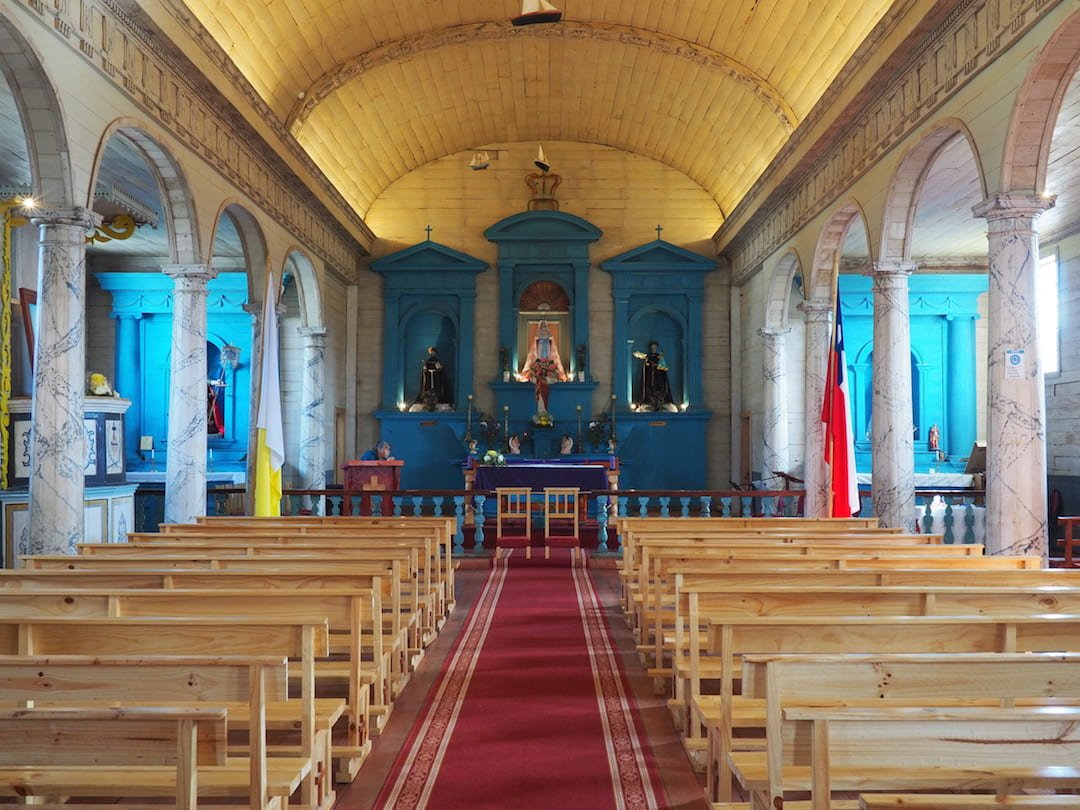 The Church of Nercón interior