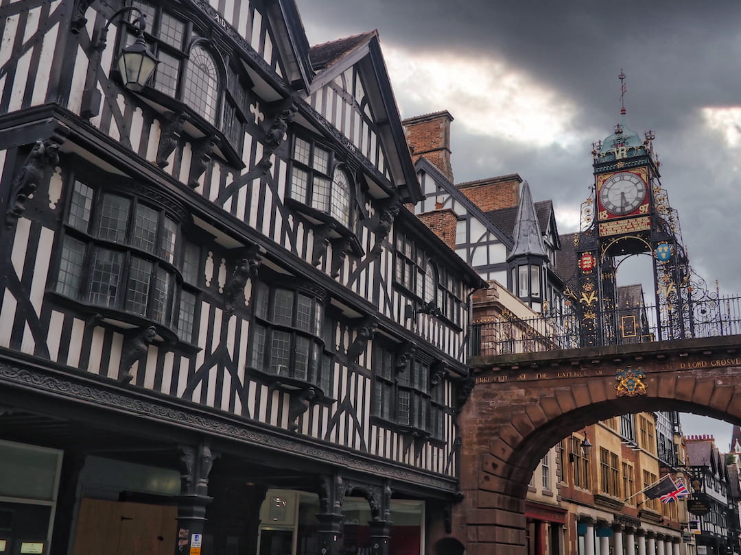 HOW TO EXPLORE THE WALLED CITY OF CHESTER